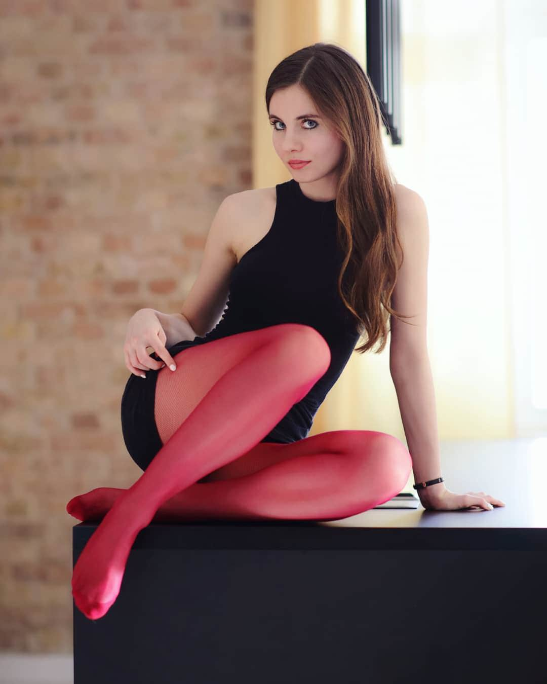 Sexy red pantyhoes