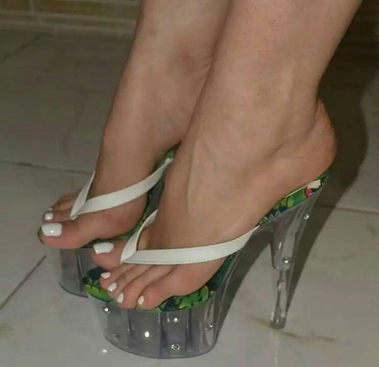 Hot and sexy feet pics