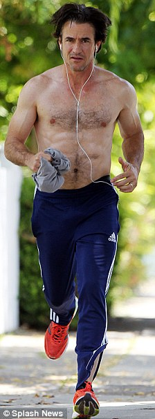 Dermot mulroney bulge