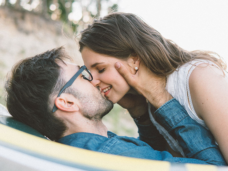 Dating with girlfriend meaning