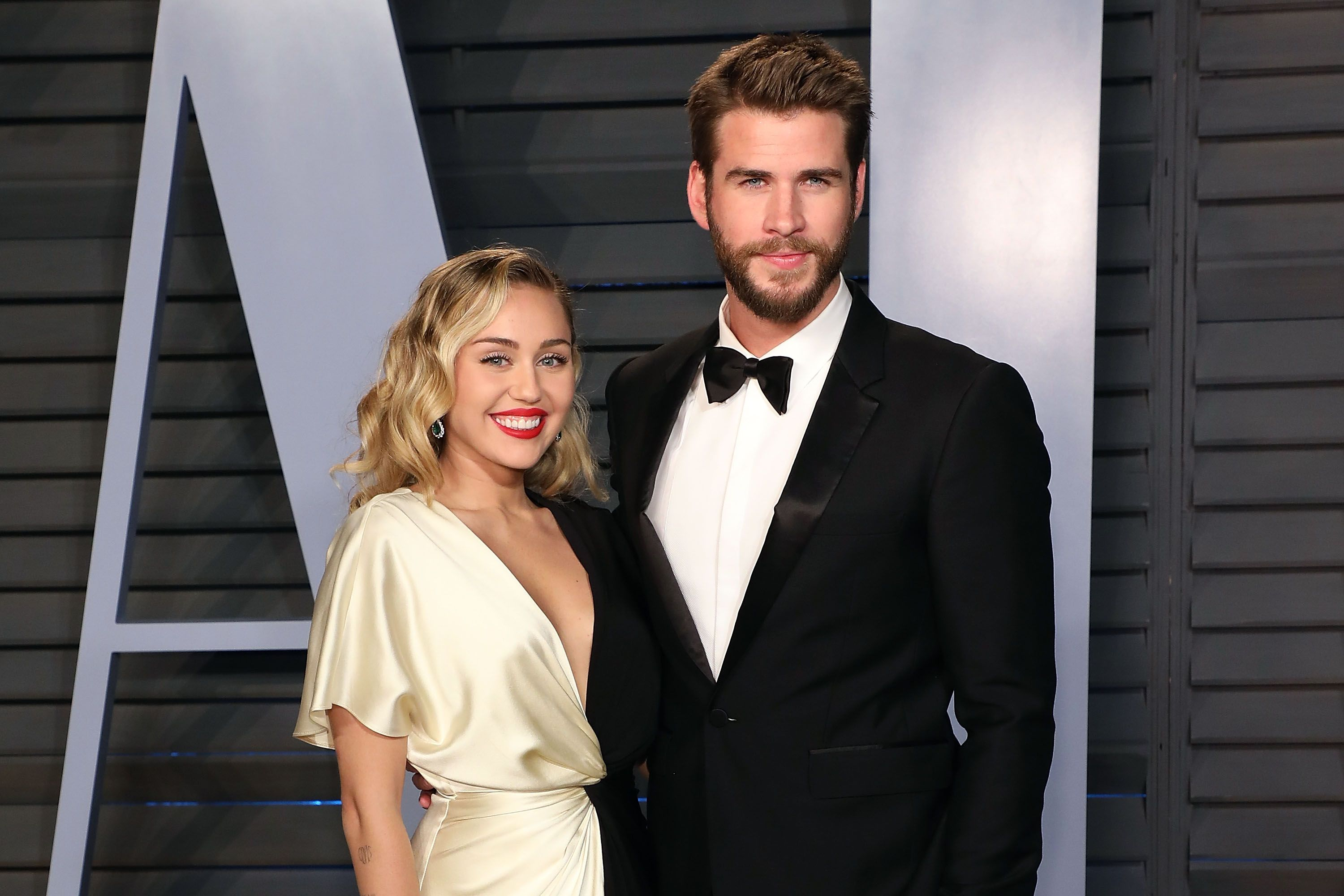 Is miley cyrus dating anyone