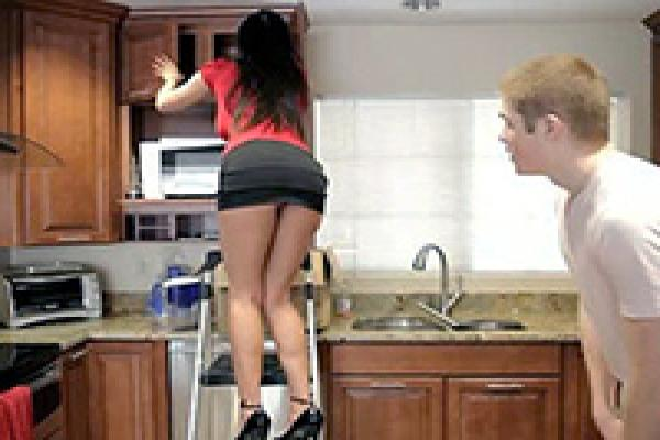 Sex with my mom in kitchen